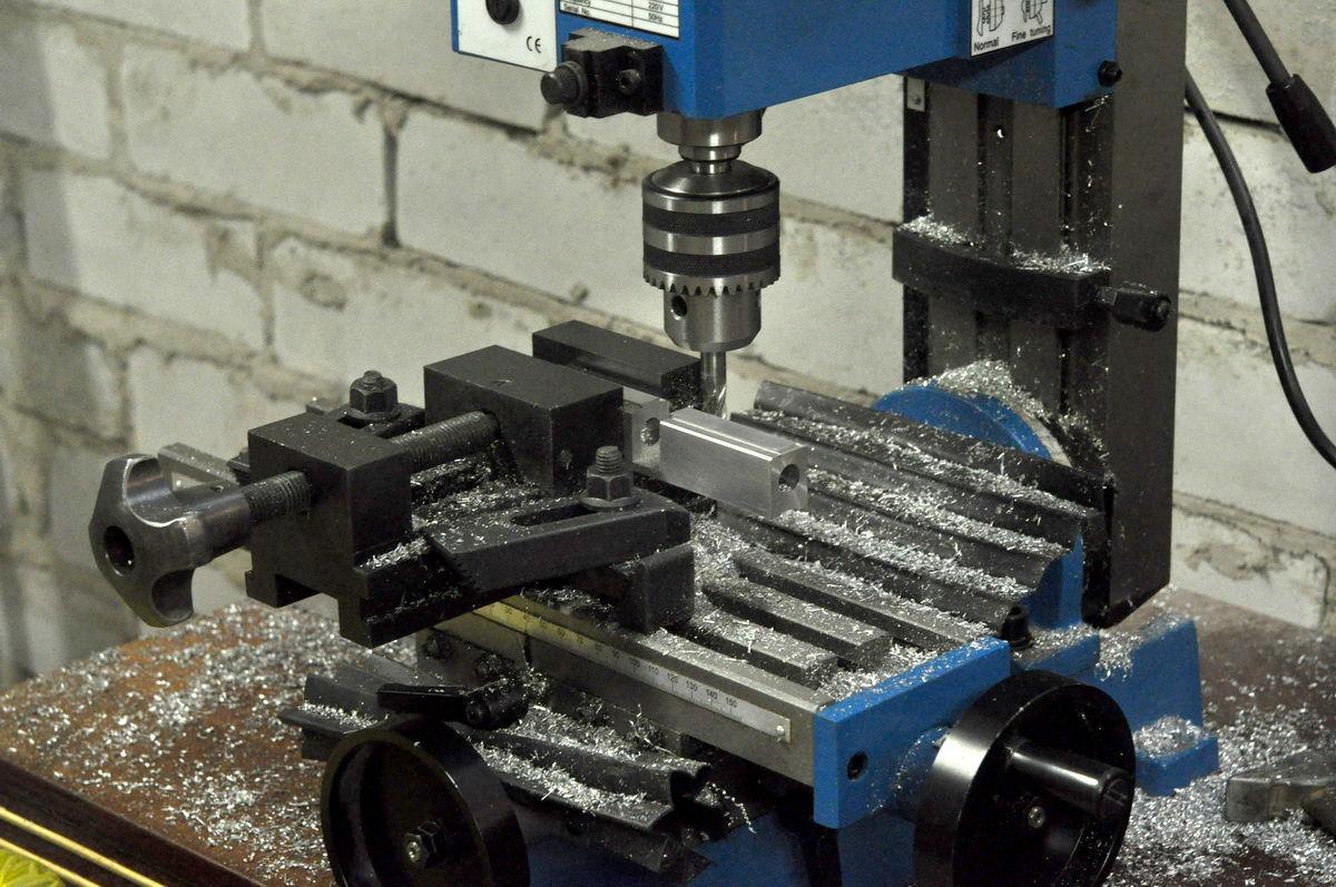 Из чего сделать фрезерный станок по металлу своими руками 367